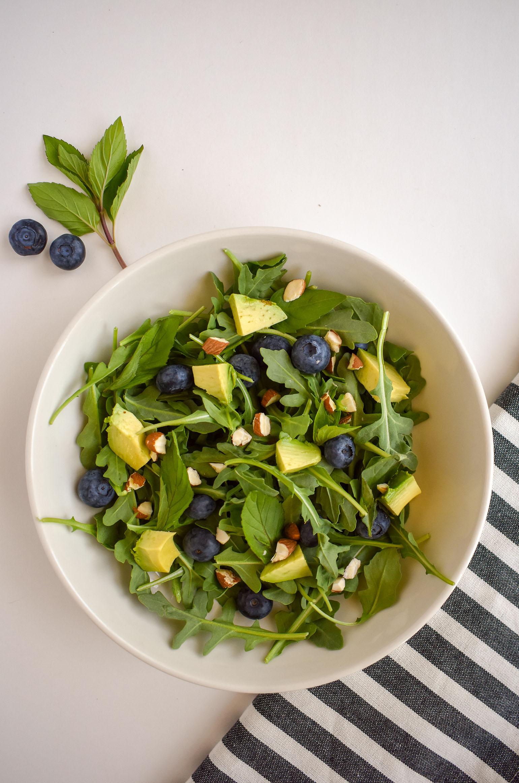 Arugula salad with herbs