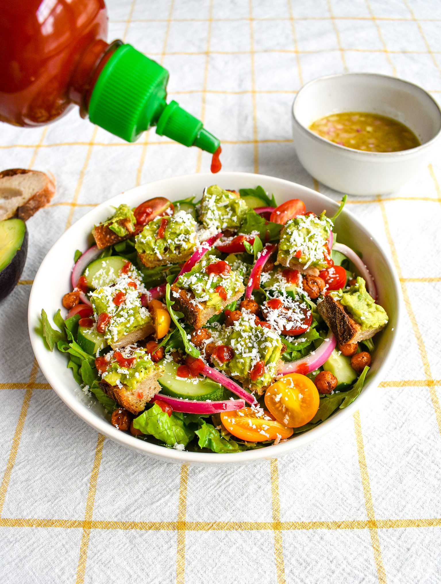 Avocado salad with Sriracha