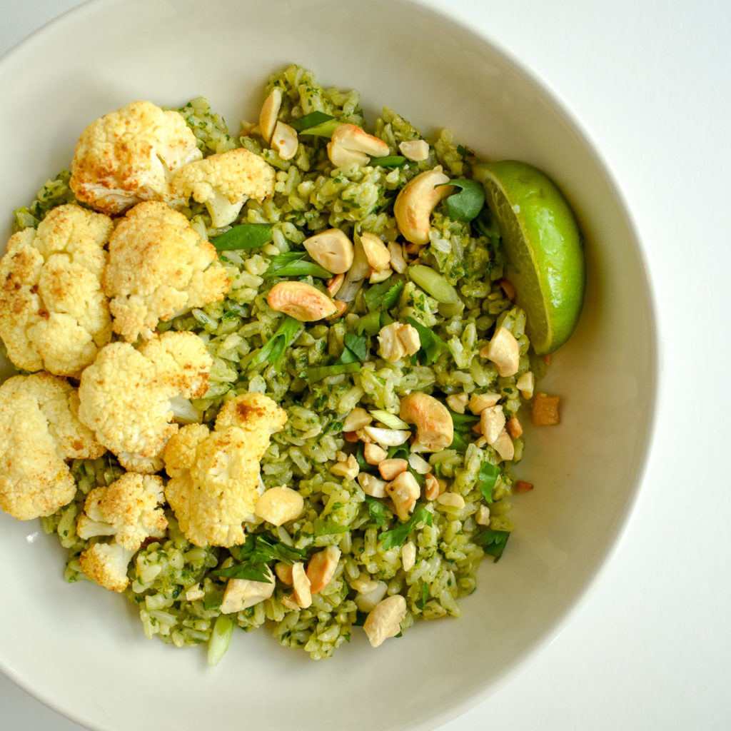 Spicy Green Rice with Cauliflower and Basbaas Sauce