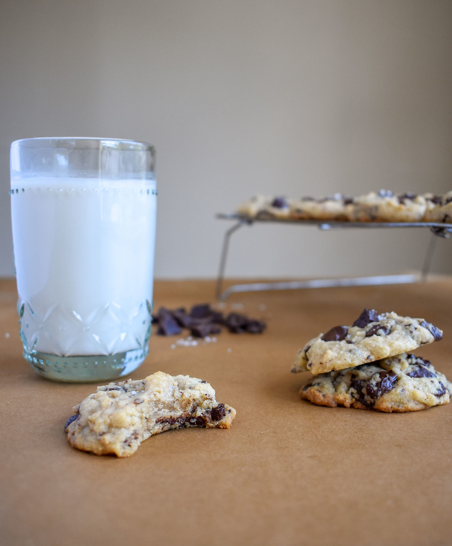 Tahini chocolate cookies with a glass of milk